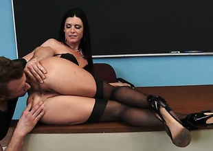 India Summer fucks like theres no tomorrow up steamy action round hard dicked guy Bill Bailey