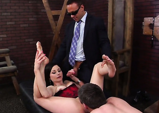 Veruca James is concupiscent as fuck after sucking Kurt Lockwoods contraption