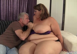 Chubby dispirited unladylike Erin Green fucks