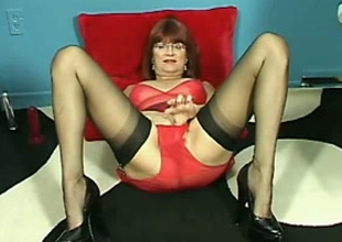 Abusive older lady is on demand for her impertinent solo session