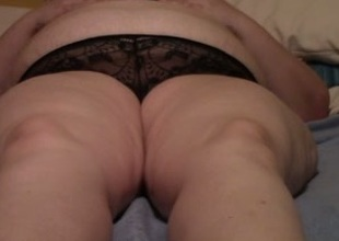 Rubbing plus fingering my older obese housewife in bed
