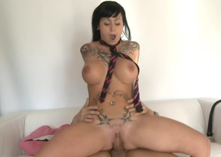 Jenny Hard gets rammed Hard and Sprayed with Cum in her Mouth