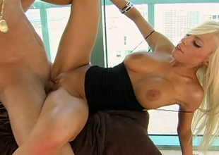Busty blonde princess Britney Amber nailed after distinguished head