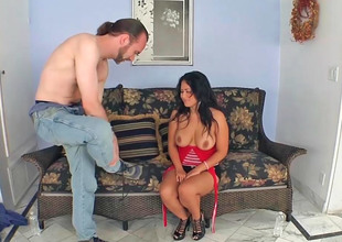 Asian milf Jessica Bangkok gets screwed by a victuals dude