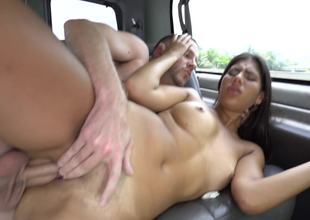 A sexy dilettante that loves getting cumshot is in the car, fucked