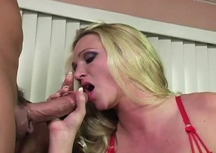 Alexis Malone turns up rub-down the fuzz with her man adjacent to a rough scene