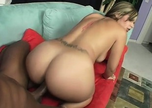 Smoking hot blonde with a sweet wazoo shows it off while going to bed