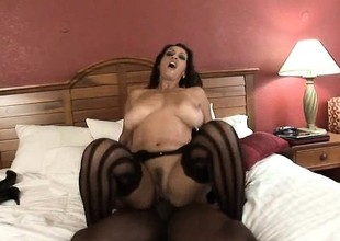 Marvelous brunette in unmentionables acquires the brush curvy diet screwed unconnected with a BBC