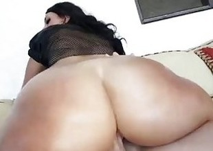 TeenCurves - Ava Alvares Has Big Booty Curves