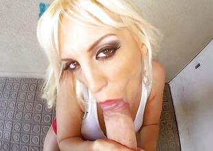 Superb Blondie Fesser has a pulchritudinous bubble keester