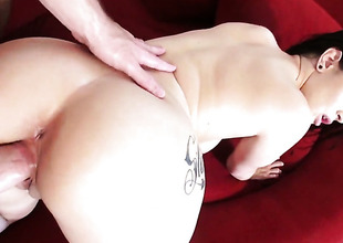 Katrina Tunnel shows retire from her hot circle as she gets her throat fucked