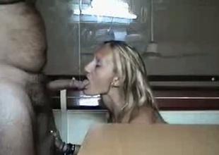 Spoiled slut blows her hookup buddy's cock like a VIP slut