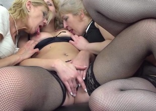 Three mature ladies getting on the move lesbian on eachother