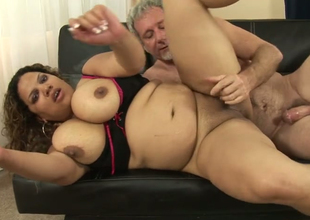 Horny fat Latina Carmella Charming gets her bald abduct hammered