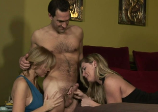 Hot mommies Nicole Moore and Hayden Obscurity apropos double blowjob