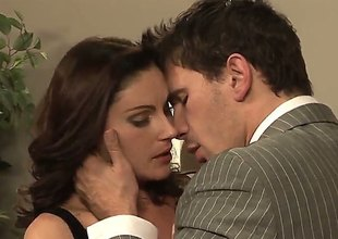 Brunette Samantha Ryan finds Manuel Ferrara handsome and takes his hard weasel words in her brashness