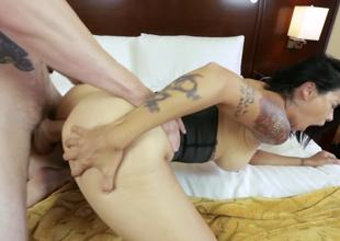 Corseted milf slut Dana Vespoli fucked up the arse