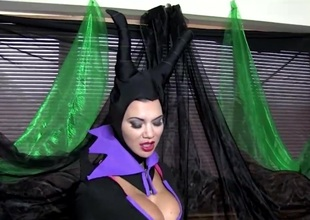 COSPLAY BABES Maleficent Playing Unassisted
