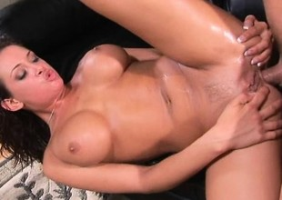 This bimbo knows how wide whip her admass into a frenzy and express regrets them sweat