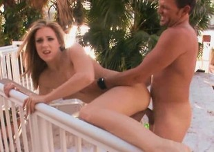Amateur cosset gets her big outlying during an outdoors POV video