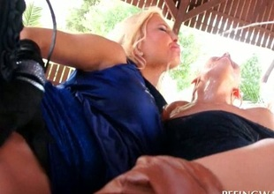 Threesome with harlots getting pissed on