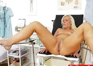 Foxy blondie gets a old lady gyno