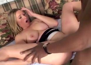 BBC battle-cry fast fucks a curvy blonde playgirl