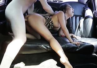 Brunette slut Asa Akira enjoys fundament slam