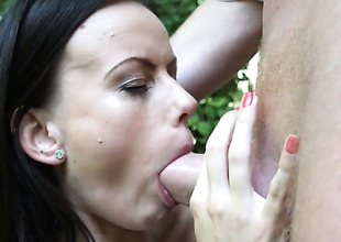 Tina Walker asks her girder to stick his thick meat stick in her throat