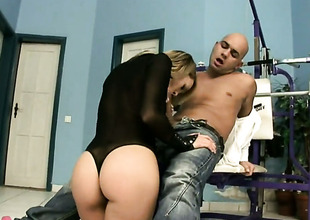 Golden-haired Blue Angel is in the matter of heat in the matter of ejaculation coitus action