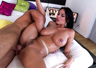 Impenetrable Anissa Kate with juicy jugs gets down increased by wicked alongside hardcore sexual relations action with lustful guy