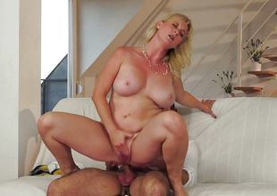 lascivious mature blonde procurement her chilli boom rammed