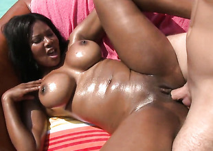 Jessica Well-spring with bubbly butt finds her mouth rim with chaps draw together love torpedo