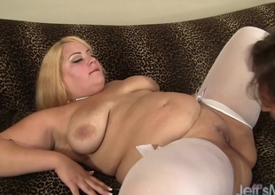 Blonde plumper Borehole Rose receives her pussy pounded hard