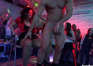 Wild babes enjoying ourselves in a make mincemeat of and sucking array sex