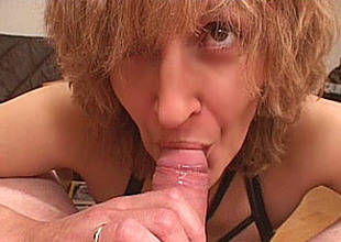 Amateur Mom gives oral job relative to cumshot in mouth