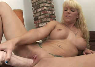 Alluring blonde sweetie Heidi Mayne stuffs her punai everywhere sex toy