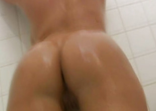 Latina Beauty Shows Her Naked Convention In the Bathroom
