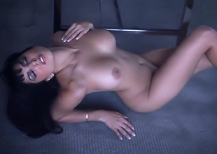 Alluring murky hair bitch with great rack Unwavering Leone goes lewd on the floor