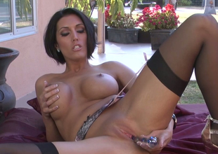 Sassy nourisher with great body Dylan Ryder masturbates with potable dildo