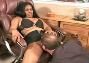 Chubby Indian dame is seduced be advantageous to sex in chum around with annoy office by horny Caucasian boss