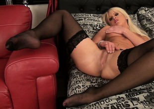 Naughty comme ci babe round underware rubs her pussy with her fingers