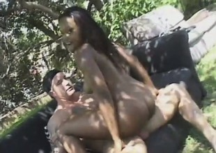 Sensational harlot respecting amazing body forms is busted by long shaft outdoors