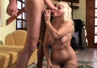Mature granny gets their way matured cunt slammed balls deep by a pencil
