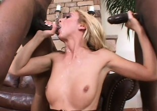Kelly in an interracial threesome gets 2 pumping and a naughty DP
