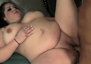 Goth BBW Star Staxxx is a Niggardly Chunky Fuck