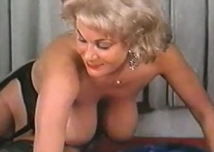 classic mature nice boobs coupled with areolas (short clip)