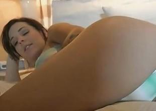 U fuck Kiera Winters in Vegas giving her parathetic creampies