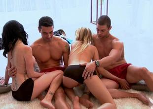 Singles sexy game in Foursome mansion