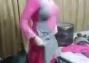 Lahore chick dance